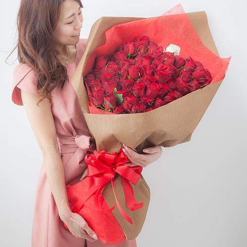 両手いっぱいの花束