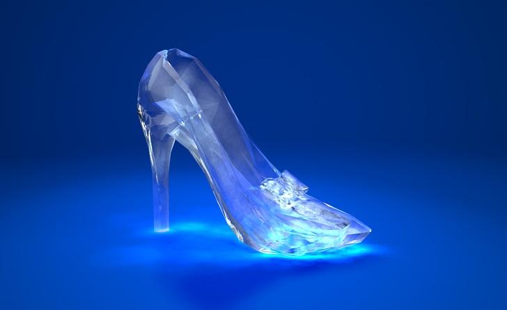 ガラスの靴で新婦にサプライズ